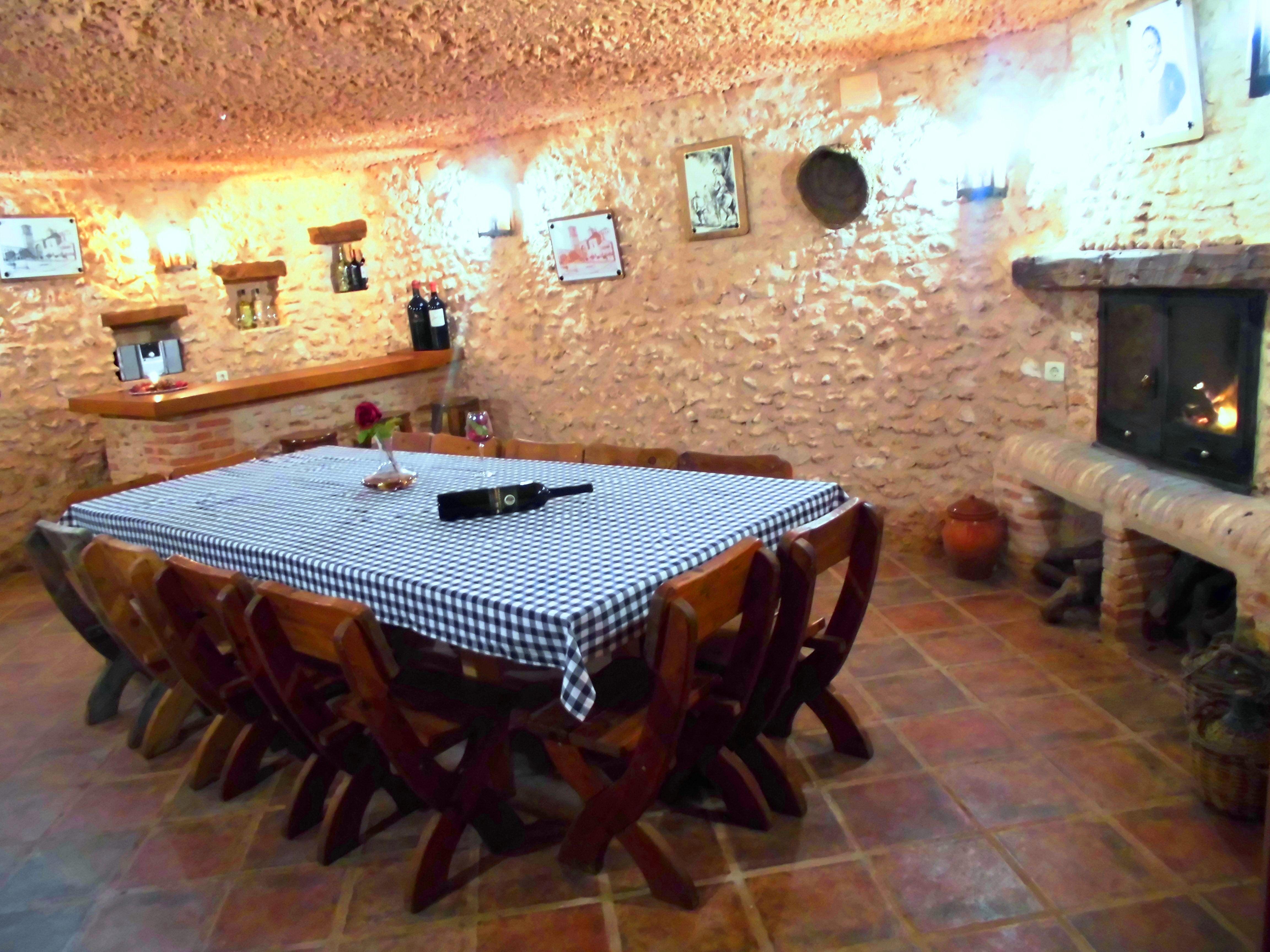 """cueva bodega, Complejo Turístico Rural """"El Romeral"""""""