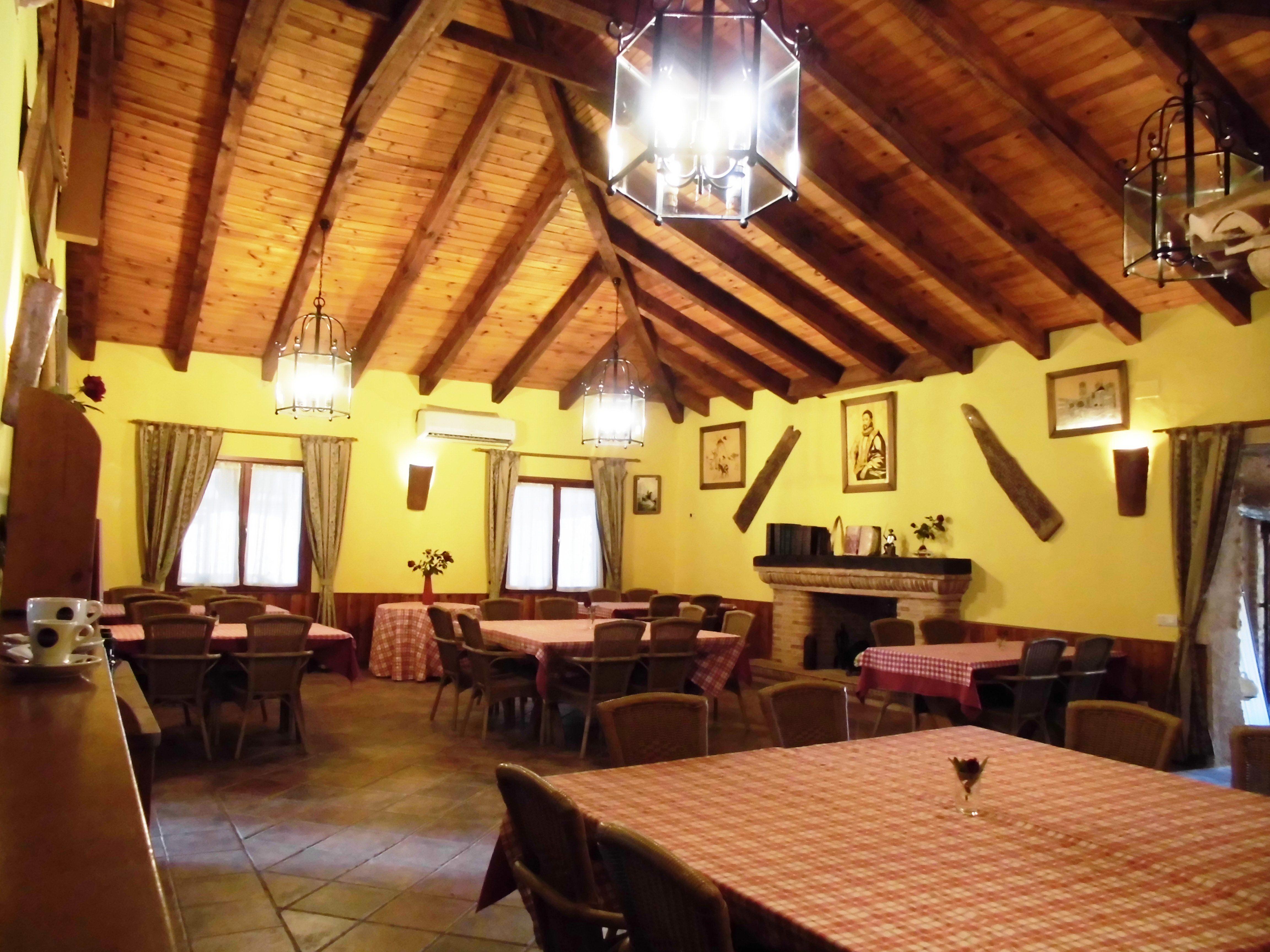 """Salón rustico, Complejo """"El Romeral"""""""